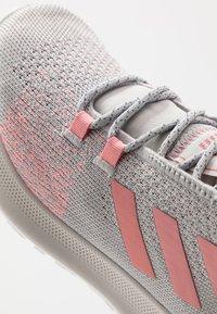 adidas Performance - SENSEBOUNCE + ACE - Neutrální běžecké boty - grey two/glow pink/footwear white - 2