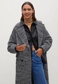 Mango - IN WICKEL-OPTIK - Classic coat - schwarz - 2