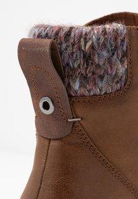 Anna Field - Kotníkové boty na platformě - cognac - 2