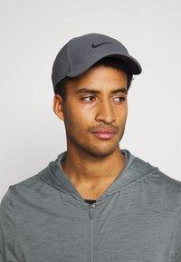 Nike Performance - Training jacket - smoke grey/iron grey - 3