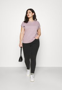 Anna Field Curvy - Basic T-shirt - lilac - 1
