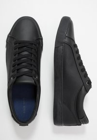 Pier One - Sneakersy niskie - black - 1