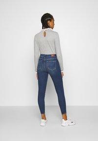 American Eagle - CURVY HI RISE - Slim fit jeans - indigo abyss - 2