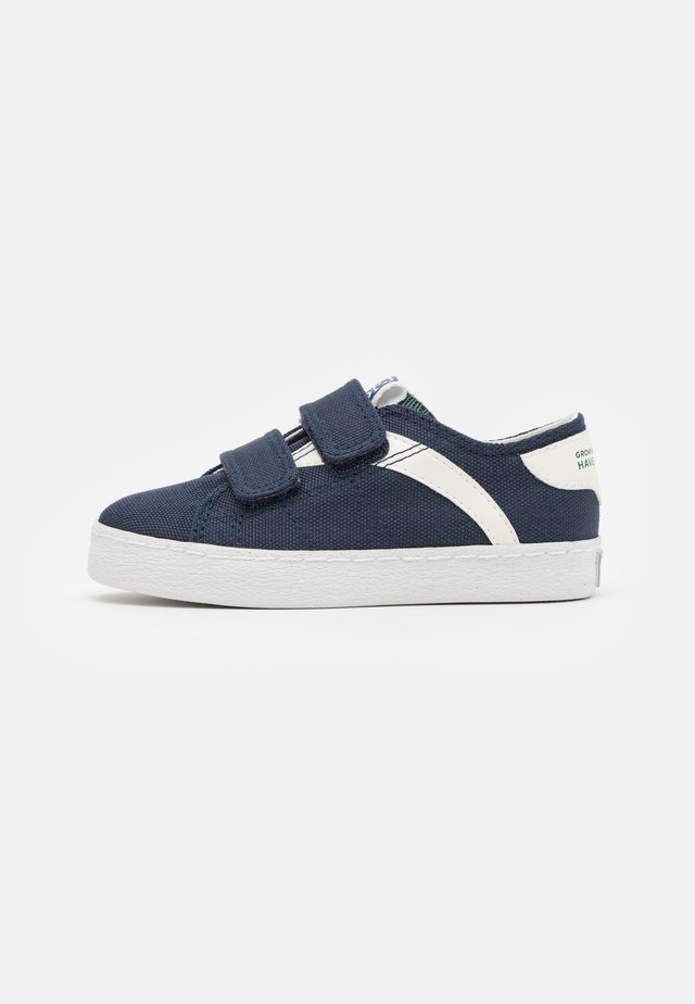 KENNEBECK - Sneakersy niskie - marino