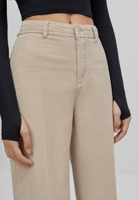 Bershka - Pantalon classique - beige - 3