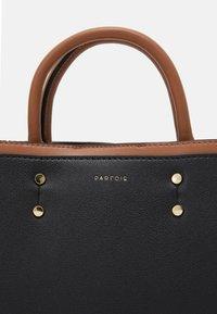 PARFOIS - BAG SNATCH - Kabelka - black - 4