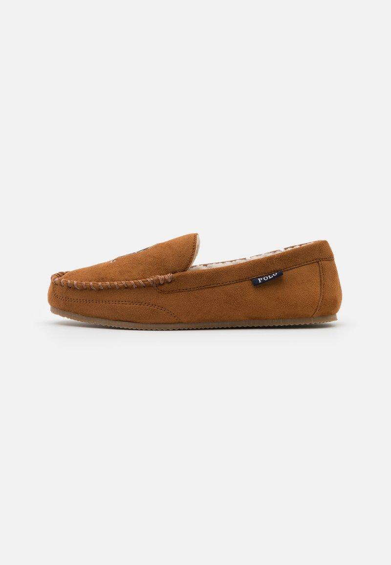 Polo Ralph Lauren - DEZI BEAR - Slippers - snuff