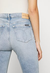 Calvin Klein Jeans - HIGH RISE SKINNY - Jeans Skinny - light blue - 5