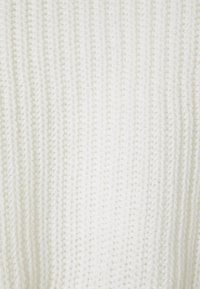 Missguided Petite - ROLL NECK BATWING CROP JUMPER - Jumper - off white - 2