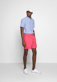 Polo Ralph Lauren - 6-INCH POLO PREPSTER TWILL SHORT - Shorts - nantucket red - 1