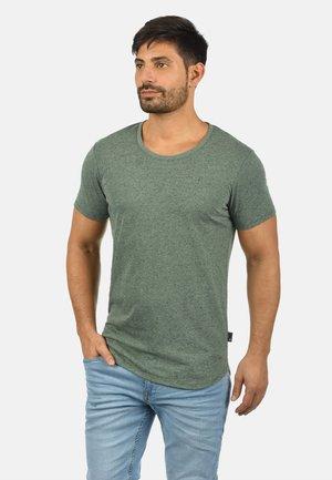 THIAS - T-shirt basique - climb ivy