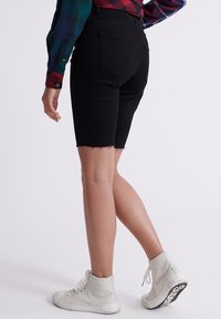 Superdry - KARI - Shorts di jeans - denim black rinse - 2