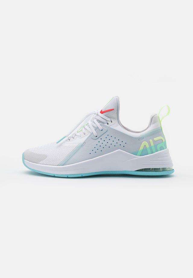 AIR MAX BELLA TR  - Zapatillas de entrenamiento - white/bright crimson/pure platinum