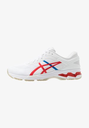 GEL-KAYANO 26 - RETRO TOKYO - Zapatillas de running estables - white/classic red