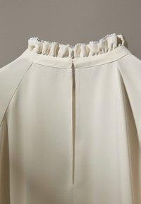 Massimo Dutti - MIT VOLANTS  - Blouse - white - 6
