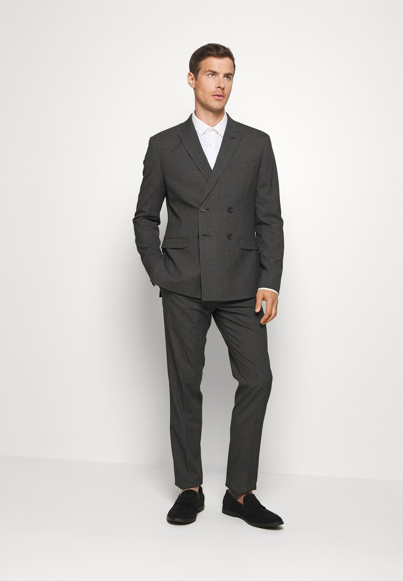 Isaac Dewhirst - RECYCLED CHECK DOUBLE BREASTED SUIT - Kostym - anthracite