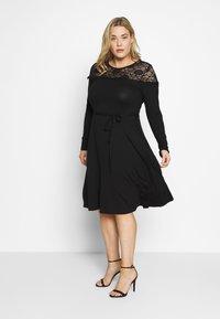 Dorothy Perkins Curve - VICTORIANA FIT AND FLARE DRESS - Sukienka etui - black - 0