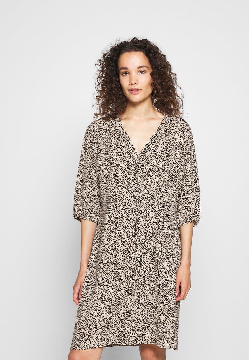 Modström - EMILY PRINT DRESS - Day dress - light brown