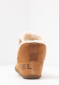 Sorel - NAKISKA BOOTIE - Classic ankle boots - camel brown - 5