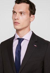 Tommy Hilfiger Tailored - SLIM FIT SUIT - Suit - brown - 8