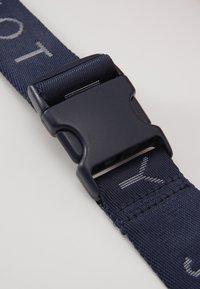 Tommy Jeans - HERITAGE BUMBAG - Bum bag - blue - 6