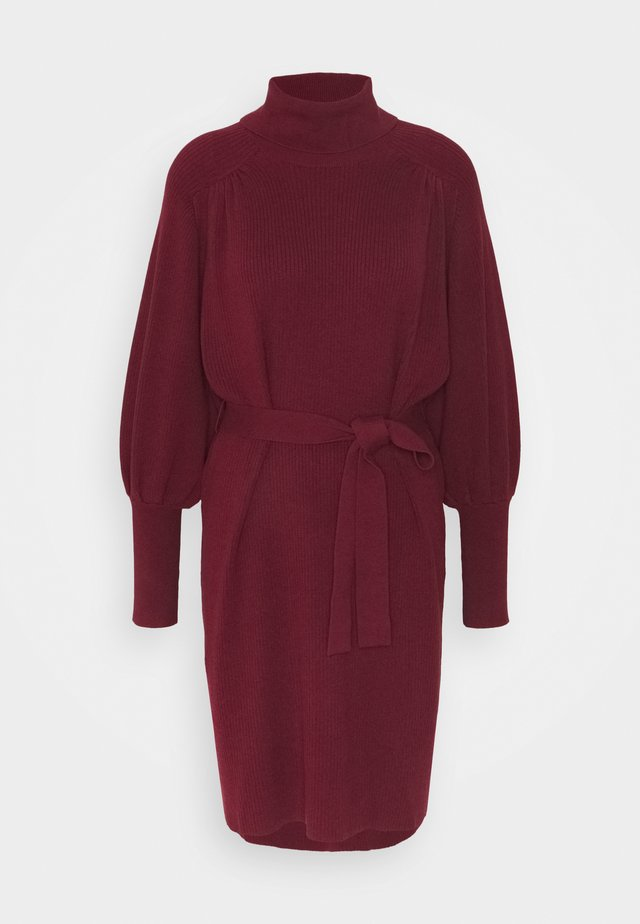 MALENE DRESS - Strikkjoler - rot