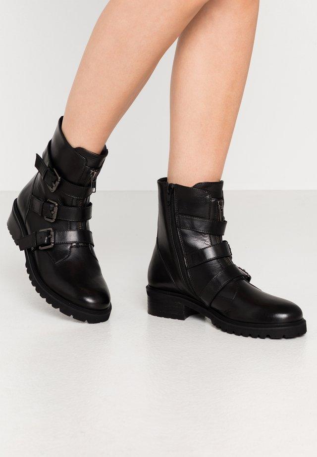 PENELOPE - Kovbojské/motorkářské boty - black