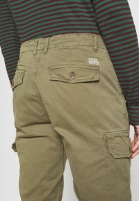 Blend - Cargo trousers - martini olive - 5