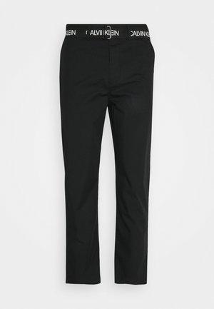 BELTED PANT - Broek - black