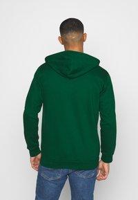 adidas Originals - STRIPES UNISEX - Mikina na zip - dark green - 2