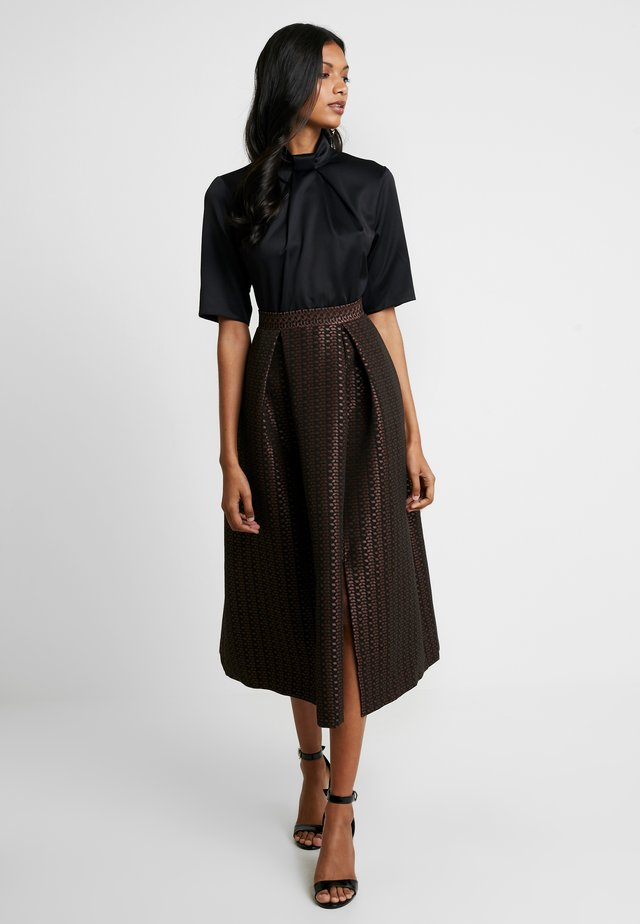 COLLAR FULL SKIRT DRESS - Cocktailjurk - rose gold