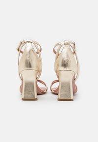 Oxitaly - ALYSSA - Korolliset sandaalit - sirio rosa/platino/rosa - 3
