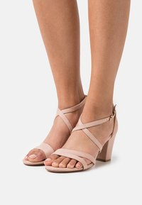 Anna Field Wide Fit - Sandaalit nilkkaremmillä - light pink - 0