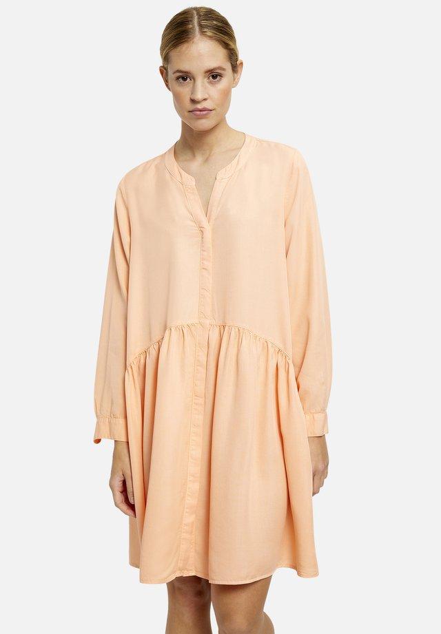 Vapaa-ajan mekko - peach
