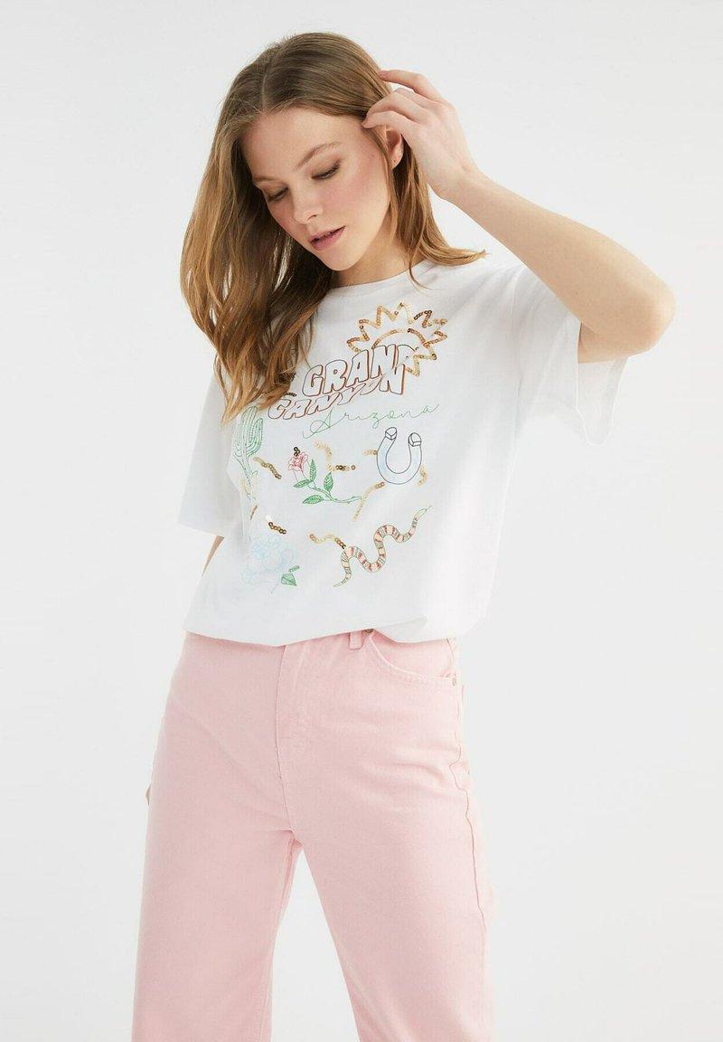 Trendyol - Print T-shirt - white