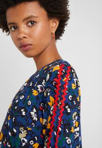 Libertine-Libertine - RECORD - Blouse - navy flower - 5