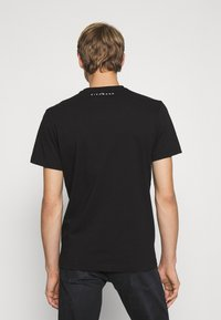 John Richmond - BESKADA - Print T-shirt - black - 2