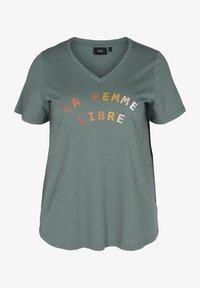 Zizzi - FIERCE STRAIGHT TEE - Print T-shirt - balsam green - 0