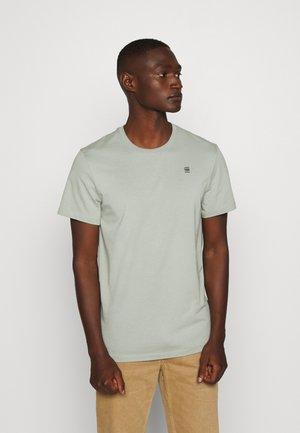 BASE-S R T S\S - Basic T-shirt - lt orphus