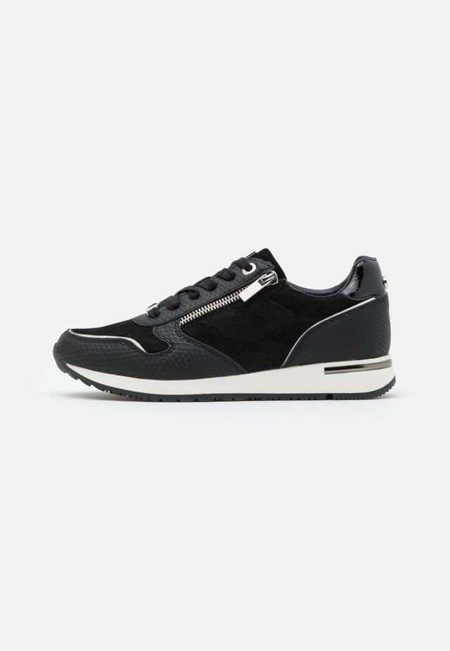 DJANA - Sneakersy niskie - black