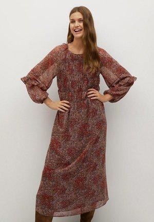 NURIA - Denní šaty - roodbruin