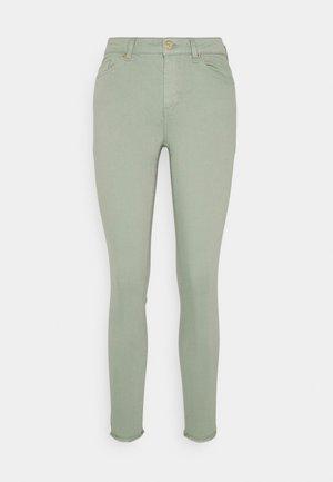 ONLBLUSH LIFE ANKRAW - Jeans Skinny Fit - green milieu