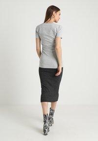 Boob - CLASSIC SHORT SLEEVED - T-shirts - grey melange - 2