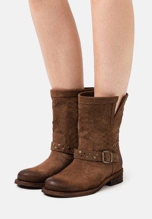 GREDO - Cowboy/biker ankle boot - marvin brown
