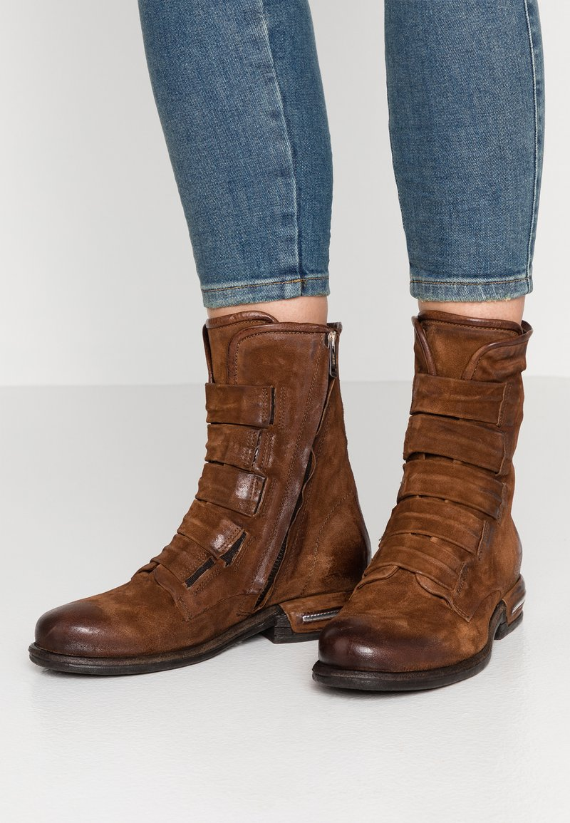 A.S.98 - Classic ankle boots - calvados