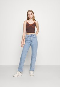 BDG Urban Outfitters - CROSS CAMI - Topper - chocolate - 1