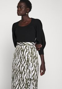Bruuns Bazaar - TREE VIOLIS SKIRT - A-line skirt - dusty olive/snow white - 3