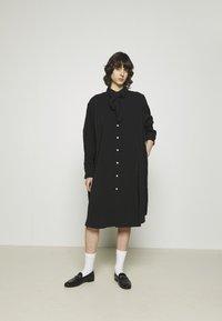 Hope - FREE SCARF - Sukienka koszulowa - black - 0