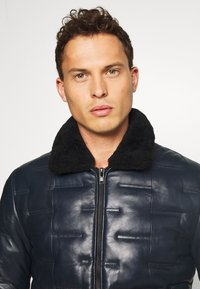 Serge Pariente - TAYLOR - Leather jacket - navy