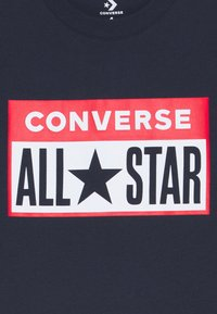 Converse - LICENSE PLATE TEE - T-shirt con stampa - obsidian - 2